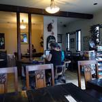 ティー&ティー ジンジャー - 「ティー&ティー ジンジャー」アンティークな家具や調度品が飾られた店内