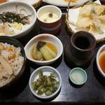 和食さと - 料理写真:15.10 秋限定メニューの松茸ご飯ととろろそば膳(1,390円)