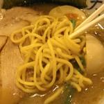 天神屋 - 麺は低加水、中太or中細