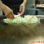 路餐軒 - お好み豚(広島焼き)作製中