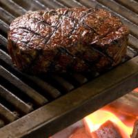 【看板メニュー】 熟成させた国産牛のステーキ