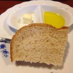 oro - 料理写真:オイル&バター付