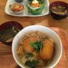 アリクイ食堂 - 料理写真:コロ玉丼。食後のカフェオレ+50円
