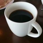 木もれ陽のテラス - ブレンドコーヒー240円