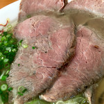 牛骨らぁ麺マタドール - 贅沢トッピングのローストビーフ(2015大つけ麺博)