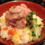 魚盛 - 海鮮ばくだん丼¥880
