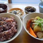 niji cafe - ランチBチキンとゴロゴロ野菜のオーロラ煮900円