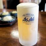 犬若食堂 - キンキン生麦酒(中)550円=15年10月