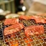 正泰苑 - 料理写真:ハラミを炭火の七輪で焼きます