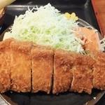 喜左衛門 - 料理写真:とんかつ大、肉だけで250g以上は楽にありそう