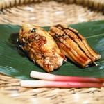 Asaba - 料理写真:名物穴子黒米ずし