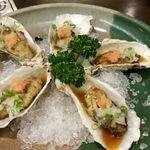 安芸路 酔心 - 炙っている牡蠣のたたき