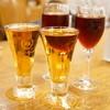 神谷バー - ドリンク写真:デンキブラン(270円)、ハチブドー酒赤(270円)