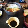 夢岬 - 料理写真:生ウニとイカとイクラの三色丼