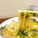 43384176 - 麺リフト、柔らかい麺