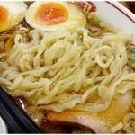 43391105 - ぴろぴろ平打ち麺。