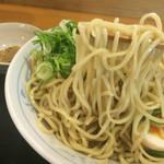 らあめん彩龍 - 魚介とんこつしょう油つけ麺 麺リフト〜(*^◯^*)♪