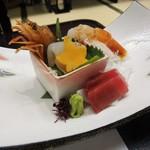 福一 - 料理写真:造里:割鮮旬の魚 盛り合わせ、妻種々、山葵。