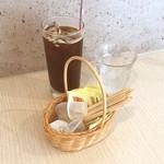 カフェ マテリア - ドリンク写真:コーヒー(アイス)