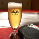 HONANA - グラスビールでスタート