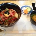 43550395 - 【したどん2015】国産牛たたき丼(1800円)