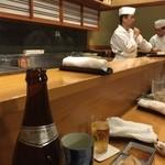 銀座寿司幸本店 - 綺麗なカウンターで