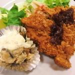 東都グリル - チキンカツとカキバター焼き