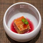 鮨 くりや川 - 赤ワインとかぼちゃのチーズケーキです。赤ワインの酸味がよく合ってて美味しかったです。ご馳走様でした。