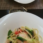 osuteriathimo-ne - 牡蠣のクリーム味パスタ、魚介類のトマト味パスタ
