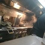 麺家 ぶらいとん - 厨房
