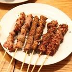 玲玲家園菜 - お酒セットの羊串焼き3種
