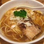 三四郎 - 煮干しラーメン 690円 本日の煮干し度は4だったそうな。 うーん、まぁ麺がおいしいかな。
