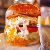 シェイクツリー - 料理写真:チーズバーガーにタルタルとエッグトッピング