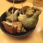 ご当地酒場 北海道八雲町 - お通しはつぶ貝