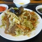 台湾料理 餃子の舞 - 料理写真:日替わりBランチ(豚肉とキャベツの炒め)