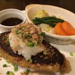 ノマキチ - 料理写真:大根おろしと柚子胡椒ポン酢のハンバーグ(950円)