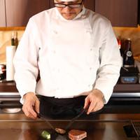 ホテル出身のシェフが作るフレンチの要素を取り入れた創作鉄板焼