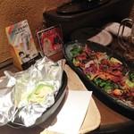 活火山 - アボガドのホイル焼きと海鮮サラダ(2014)