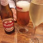 ボデガス ガパ - まずは、スペインビールとカヴァで乾杯!