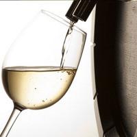 樽だし生ワインをはじめ、ワインは30種類!地ビールもご用意!