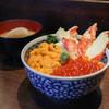海鮮食堂 澤崎水産 - 料理写真:かに・うに・いくら丼 特上+味噌汁☆
