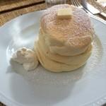 43851876 - リコッタチーズパンケーキ1200円