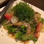 43860180 - 和風サラダ★                       かつおぶしとじゃこがきいてて繊細なサラダ!