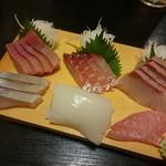 味春 - 刺身6点盛り(¥1.600)