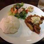 炭焼ダイニング 縁 - バルメニュー サラダ チキン南蛮