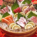 旬彩 福わ家 - 料理写真:旬魚の桶盛り(2人前) 780円(税抜)