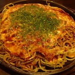お好み焼き鉄板居酒屋 大昌 - 「肉玉そば」(720円)+「野菜W」(150円)