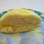 パティスリーアンジュ - フランス産のチーズを使用しメレンゲを加えてあるんでとても柔らかいフワフワの食感が味わえますよ。