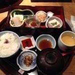 豆禅 - あじ彩弁当