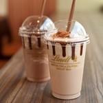 リンツ ショコラ カフェ - 「アイスチョコレートドリンク (ミルク・ダーク)」